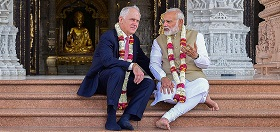 Turnbull and Modi at Akshardham Temple