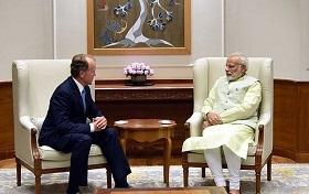 PM Modi and John Chambers